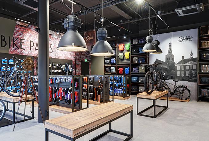 Roberto Bikes Scooters Etten Leur Steen Interieurbouw